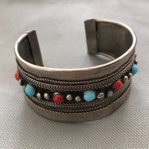 HANDCRAFTED CUFF SILVER TONE BRACELET